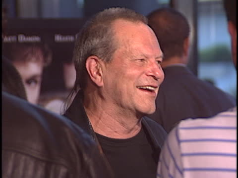 stockvideo's en b-roll-footage met terry gilliam at the brothers grimm the premiere at dga directors guild theater west hollywood - terry gilliam