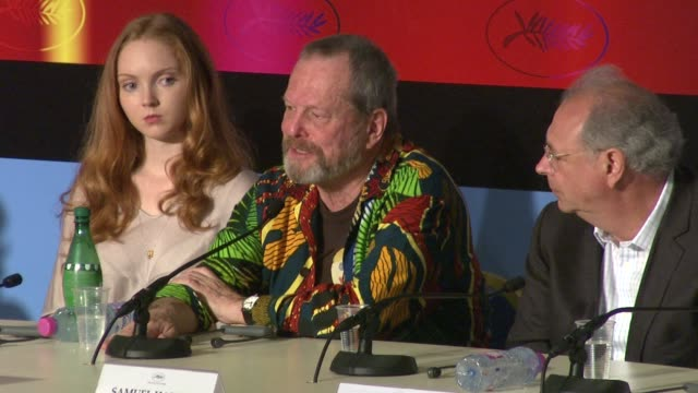 stockvideo's en b-roll-footage met terry gilliam on celebrating heath ledger in his movie at the cannes film festival 2009 the imaginarium of dr parnassus press conference at cannes - terry gilliam