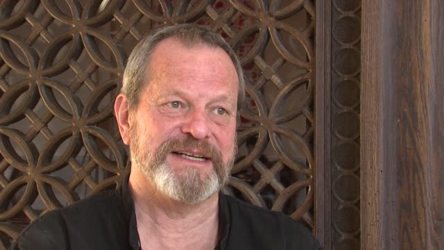 stockvideo's en b-roll-footage met terry gilliam on finishing heath ledger's final film at the 2008 dubai international film festival terry gilliam at dubai - terry gilliam