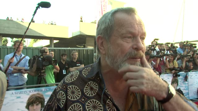 stockvideo's en b-roll-footage met terry gilliam on how george harrison brought eastern music to the west at the george harrison living in the material world uk premiere at london... - terry gilliam