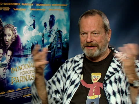 terry gilliam on how he wants people's imaginations to flower when they watch his movies, and if someone sees the wonder of the world after seeing... - terry gilliam stock-videos und b-roll-filmmaterial