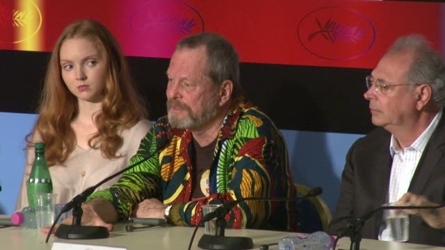 stockvideo's en b-roll-footage met terry gilliam on making heath ledger's last film at the cannes film festival 2009 the imaginarium of dr parnassus press conference at cannes - terry gilliam
