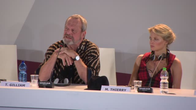 stockvideo's en b-roll-footage met interview terry gilliam on the global crisis the arab spring the influence of the internet had at 'the zero theorem' press conference on september 01... - terry gilliam