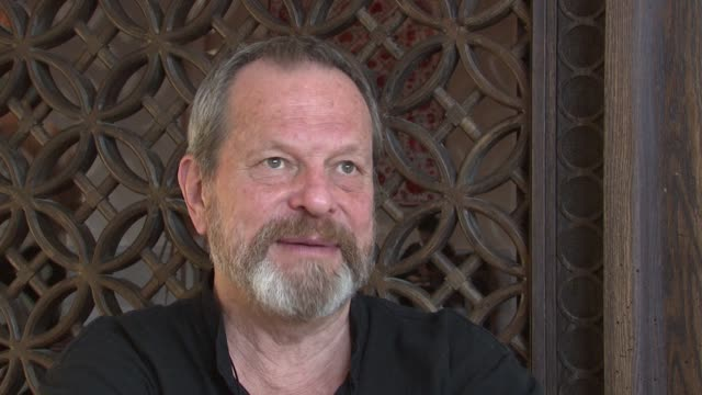 stockvideo's en b-roll-footage met terry gilliam on what awards mean to him at the 2008 dubai international film festival terry gilliam at dubai - terry gilliam