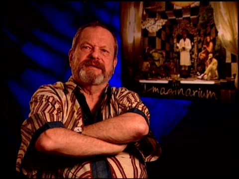 terry gilliam on working with his cast. at the 'the imaginarium of doctor parnassus' junket at beverly hills ca. - terry gilliam stock-videos und b-roll-filmmaterial