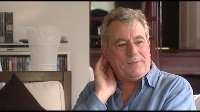 "terry jones, speaking in 2006, on the meeting with the bbc when the commissioned monty python's flying circus.""it is a bit of a mystery! it is one of... - 俳優 テリー ジョーンズ点の映像素材/bロール"