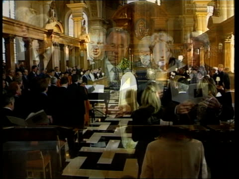 terry lloyd memorial service one year after death in iraq itn london int bv priest and congregation standing during 'jerusalem' hymn sung during... - jon snow journalist stock-videos und b-roll-filmmaterial