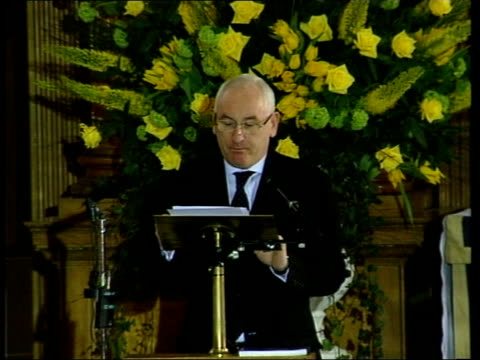 terry lloyd memorial service one year after death in iraq itn london int david mannion speaking at terry lloyd's memorial service sot courage and... - itv news at one stock videos & royalty-free footage