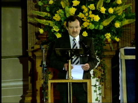 terry lloyd memorial service one year after death in iraq; itn london: int paul davies speaking at terry lloyd's memorial service sot - to love terry... - itv news at one点の映像素材/bロール