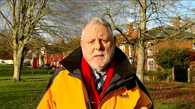 stockvideo's en b-roll-footage met terry waite returns to beirut and meets hezbollah representatives england london gir ext terry waite 2 way interview from suffolk sot discusses his... - terry waite