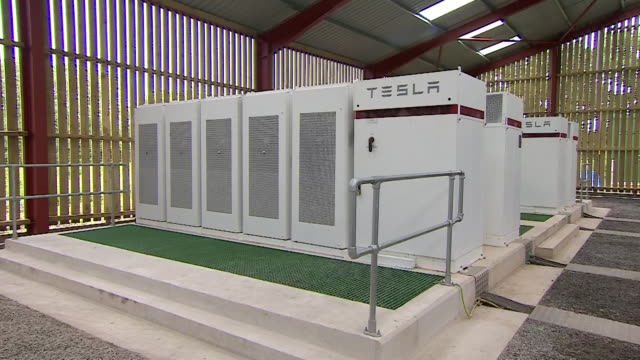 tesla battery storage site at zenobe energy power plant in leicestershire - electricity stock videos & royalty-free footage