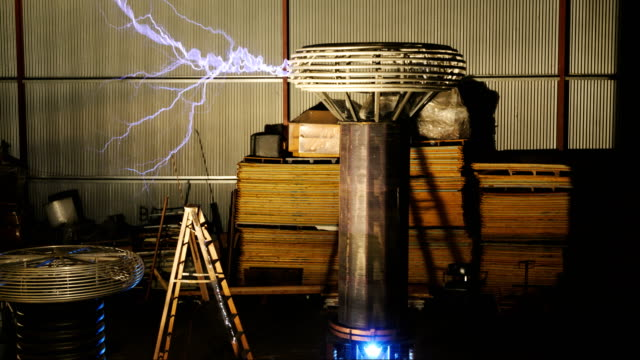 Tesla coil discharge, high-speed footage