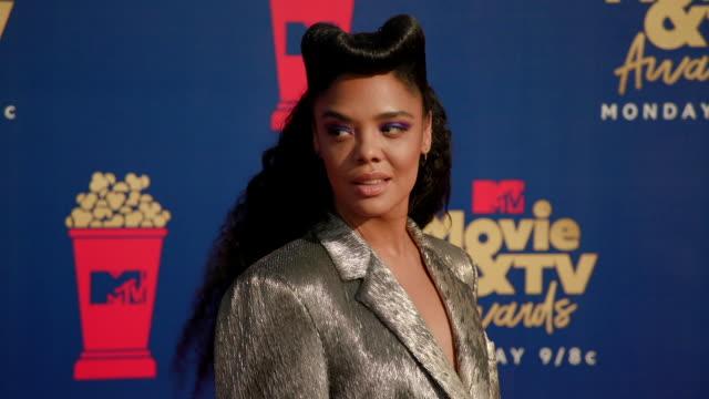 stockvideo's en b-roll-footage met tessa thompson at the 2019 mtv movie tv awards - mtv