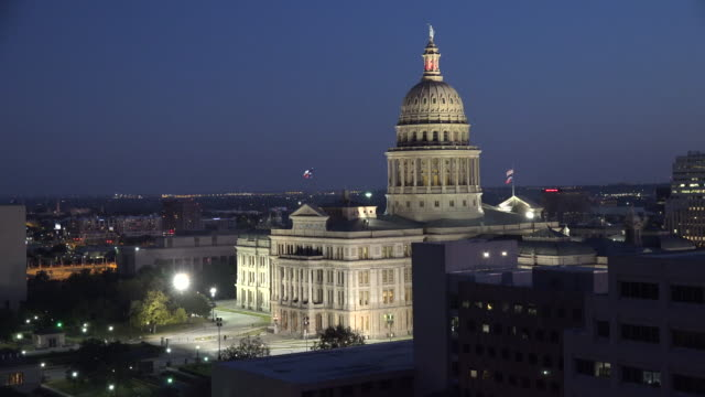 texas austin capitol building with evening sky - texas state capitol building stock videos & royalty-free footage