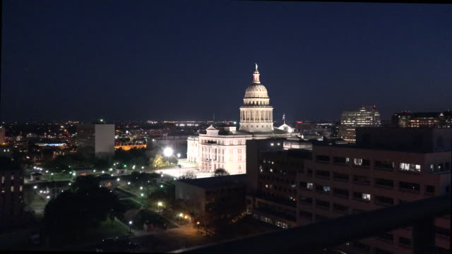 texas austin evening capitol zoom in - texas state capitol building stock videos & royalty-free footage