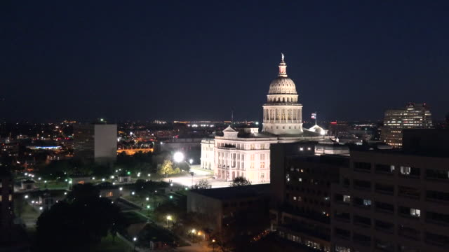 texas austin night capitol zoom in - texas state capitol building stock videos & royalty-free footage