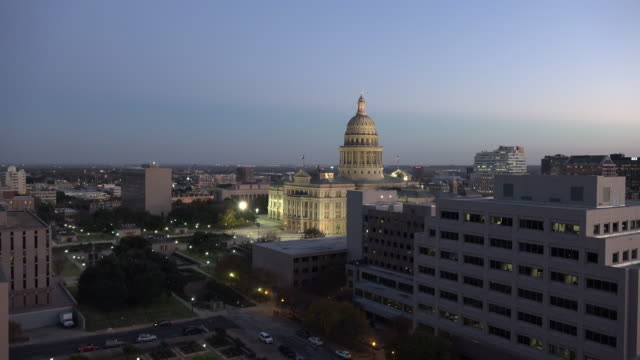 texas austin state house zoom in - texas state capitol building stock videos & royalty-free footage