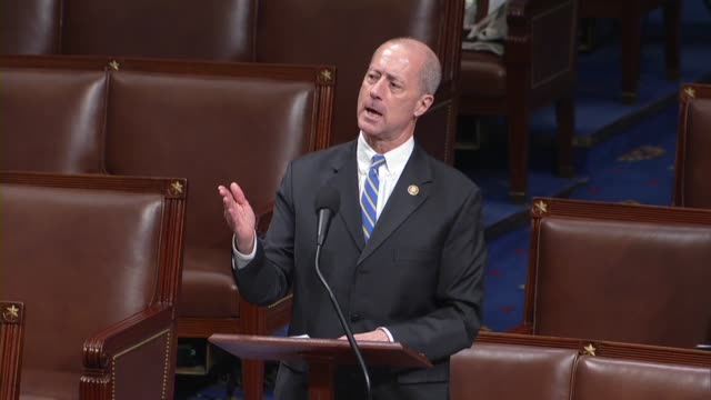 texas congressman mac thornberry says in debate on an amendment to the fiscal 2020 defense authorization that that he admires all members who support... - ministero americano della difesa video stock e b–roll