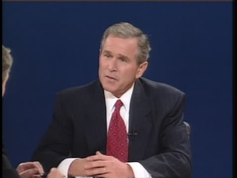 texas gov. george w. bush comments about what it means to be us president during his second presidential debate with vice president al gore. - 2000年風格 個影片檔及 b 捲影像