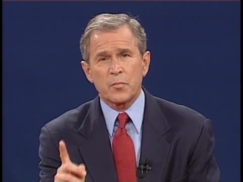 texas gov. george w. bush makes his closing statement in the third us presidential debate of 2000, explaining his agenda in the areas of medicare... - 2000年風格 個影片檔及 b 捲影像