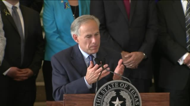 kdaf texas governor greg abbott speaks after dallas police shootings on july 9 2016 - 長点の映像素材/bロール