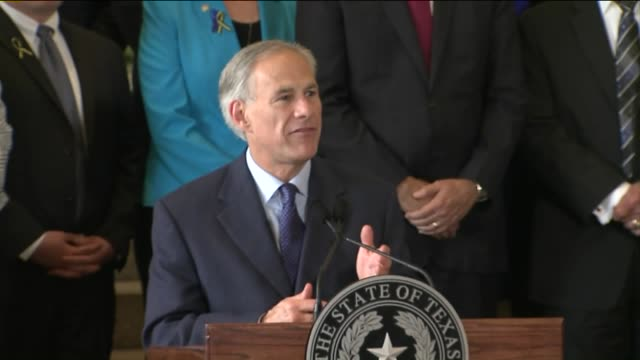 texas governor greg abbott speaks after dallas police shootings on july 9, 2016. - 長点の映像素材/bロール