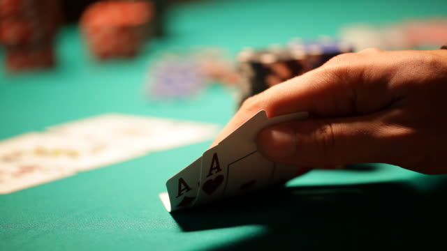 HD: Texas Hold'em Poker, All in concept