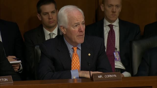 vidéos et rushes de texas senator john cornyn discusses former fbi director james comey being cast as a hero or a villain throughout the email investigation of hillary... - take that