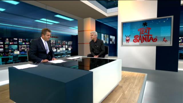 vídeos y material grabado en eventos de stock de phillip schofield to present the national weather forecast; phillip schofield live interview sot - phillip schofield