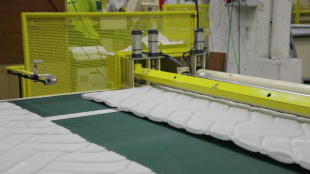 stockvideo's en b-roll-footage met textile factory - silvestre