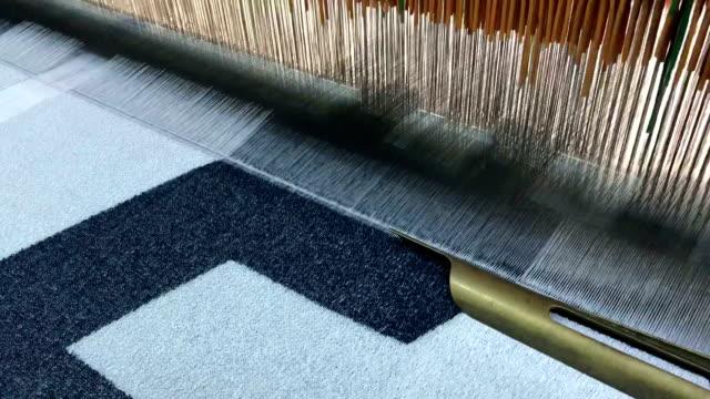 textil-maschine - webstuhl stock-videos und b-roll-filmmaterial