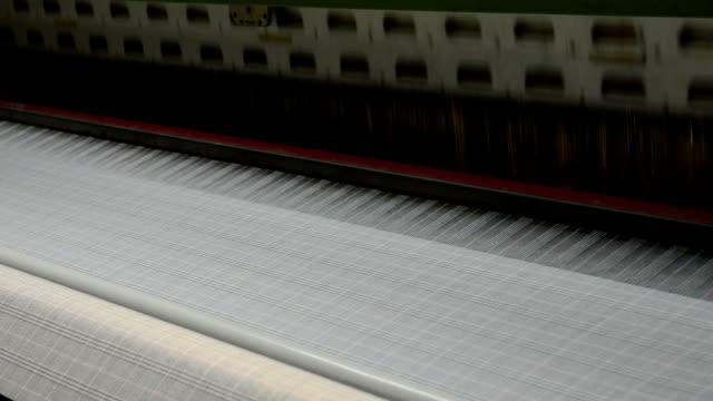 vídeos de stock, filmes e b-roll de máquina de tecido - cotton