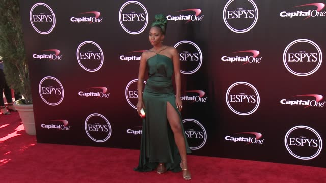 vídeos de stock, filmes e b-roll de teyonah parris at the 2016 espy awards at microsoft theater on july 13 2016 in los angeles california - espy awards