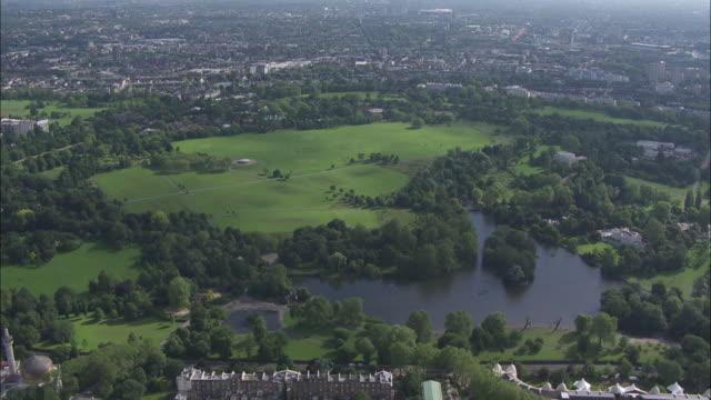 vídeos de stock, filmes e b-roll de tfl aerials - regent's park - parque regents