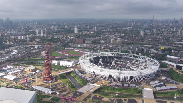 tfl aerials - オリンピックスタジアム点の映像素材/bロール
