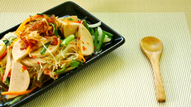 Ensalada picante comida tailandesa