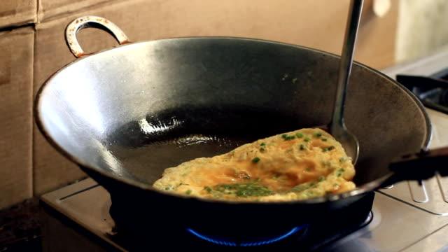 Thai omelet.