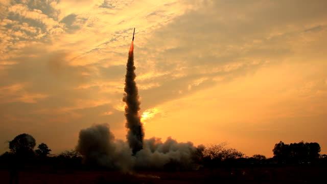 vídeos y material grabado en eventos de stock de thai cohete - cohete espacial