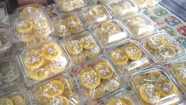thai steamed banana cake (kanom kluay) - meal box stock videos & royalty-free footage