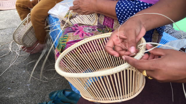 thai women weaving making wicker basket - wicker stock videos & royalty-free footage