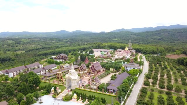 stockvideo's en b-roll-footage met tempel van thailand - pagode