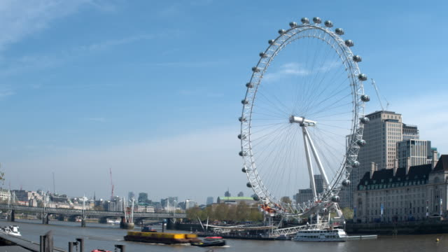thames river time lapse - big wheel stock videos & royalty-free footage