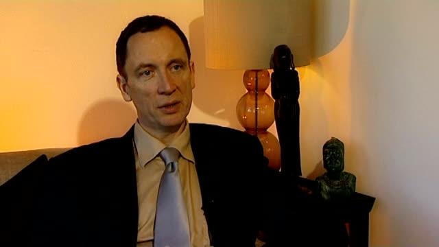 vídeos y material grabado en eventos de stock de ongoing police inquiry to visit lagos in nigeria; int richard hoskins interview sot - torso