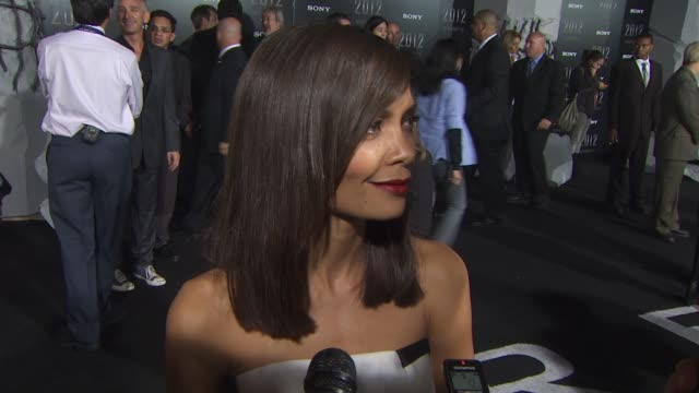 thandie newton on what she'd choose to have if the world ended her role the special effects at the '2012' premiere at los angeles ca - thandie newton stock videos & royalty-free footage