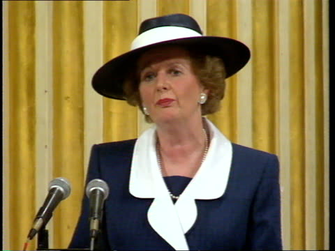 pm thatcher becomes freeman of city of london mrs thatcher stands and makes speech / toast all stand and raise glasses to lord mayor applause /... - lord mayor of london city of london stock videos & royalty-free footage