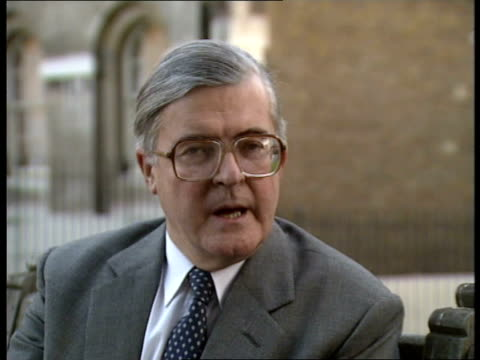 thatcher leadership critics; england: downing street: backbenchers leaving after lunch mtg: intvw kenneth baker tory party ch'man: mrs.thatcher... - 評論家点の映像素材/bロール