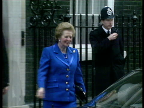 thatcher resignation & censure debate; c4n: england: london: downing st: margaret thatcher mp, pm departing for hoc in car; cheering crowds; - margaret thatcher stock videos & royalty-free footage