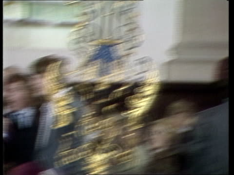 london st lawrence jewry church cms thatcher smiling pull out to bv applause out quotmy theme will compose itquot cs margaret thatcher sof quotthis... - margaret thatcher stock videos & royalty-free footage