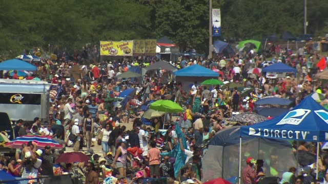 the 2013 chicago air and water show attracted 1.7 million spectators. crowd watching the chicago air and water show on august 16, 2013 in chicago,... - chicago air and water show stock videos & royalty-free footage