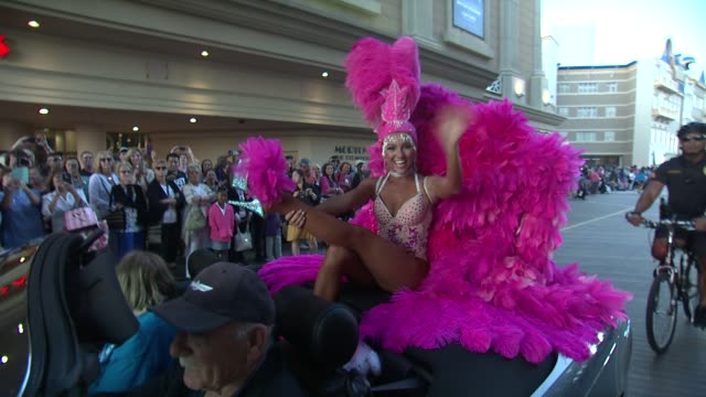 clean the 2018 miss america competition show us your shoes parade on september 09 2017 in atlantic city new jersey - schönheitswettbewerb stock-videos und b-roll-filmmaterial